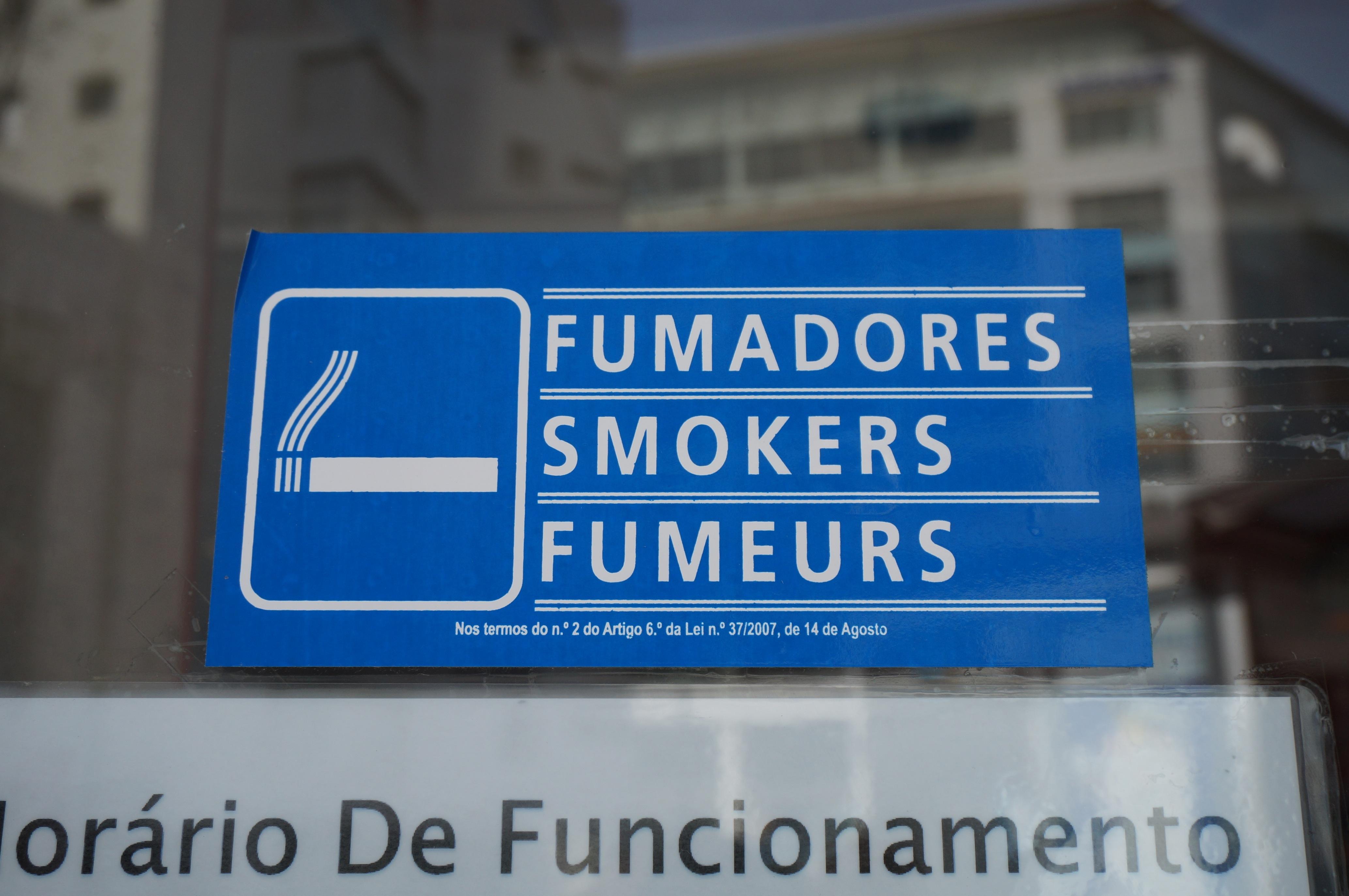 the lisbonomist vers la fin des beaux jours pour les fumeurs. Black Bedroom Furniture Sets. Home Design Ideas